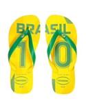 havaianas | サッカーブラジルのユニフォーム10番柄のビーサン。黄色と緑の色合いが夏にピッタリ。今はネイマールだけど、一昔前はカカだったのだ…2010年W杯が盛り上がった時にカカが好きになって買ったもの(にわか) (ビーチサンダル)