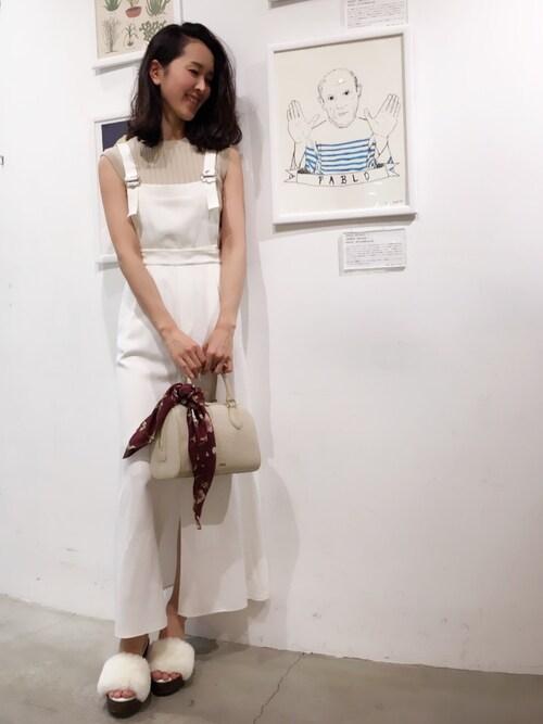shizuka ishiguroさんの「2WAYジャンパースカート(snidel)」を使ったコーディネート