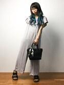 椎名成美さんの「【PLAIN CLOTHING】スカーフミニハンドバッグ(PLAIN CLOTHING|プレーンクロージング)」を使ったコーディネート