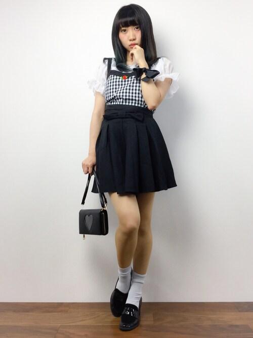 椎名成美さんの「WEGO/カップインビスチェセットオフショルダー(WEGO)」を使ったコーディネート