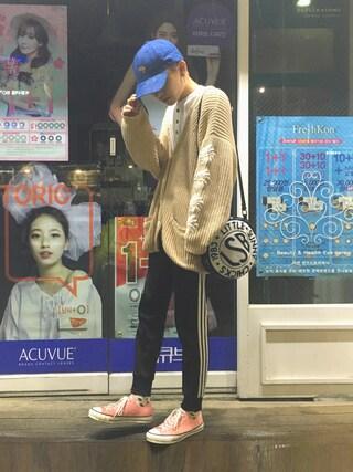 こんどうようぢさんの「【adicolor】オリジナルス パンツ[SST CUFFED TRACK PANTS](adidas|アディダス)」を使ったコーディネート