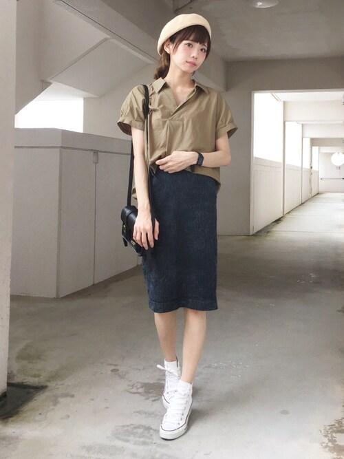 シンプルキュートなコーデは、裾をインしてより印象的に♡
