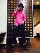 またまた、ピンク〜‼︎‼︎‼︎!  前のシャツとは、ちょっぴりちがうよ〜  なんだかんだ、もう、秋、お洒落して行こうぜ〜‼︎‼︎‼︎!