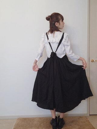 AMOさんの「リネンジャンパースカート(ADIEU TRISTESSE LOISIR|アデュートリステス ロワズィール)」を使ったコーディネート