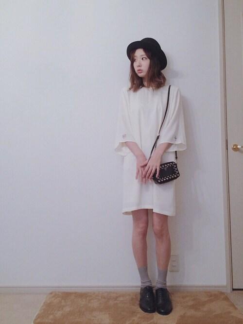 白 チュニック オジ靴 可愛いスタイル
