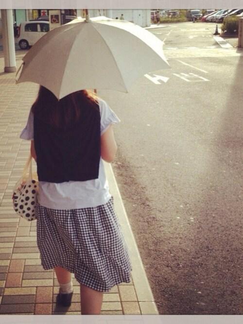 遮光100%の万能日傘をご紹介します!折りたたみや人気ブランドなど