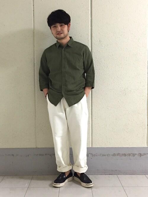 ADAM ET ROPE' 新宿LUMINE2こいでさんのシャツ/ブラウス「PANAMAオーバーダイ ハーフスリーブシャツ(ADAM ET ROPE'|アダム エ ロペ)」を使ったコーディネート