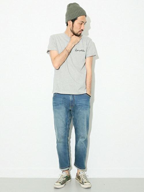 オールスター×ライトブルージーンズ×グレーTシャツ 画像1