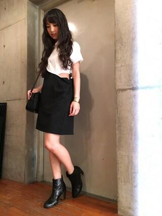 飯窪春菜さんの「【PLAIN CLOTHING】フロントゴ-ルドメタルミニバッグ(PLAIN CLOTHING|プレーンクロージング)」を使ったコーディネート