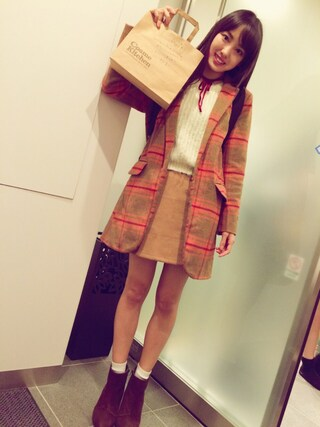 飯窪春菜さんの「フェイクスエード台形スカート(dazzlin|ダズリン)」を使ったコーディネート