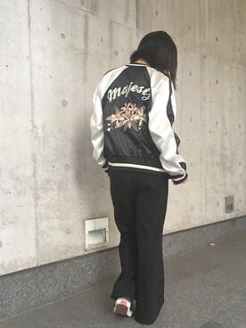 settimissimo office Yumiさんの「英字×フラワー刺繍スカジャン/ブルゾン(Settimissimo)」を使ったコーディネート