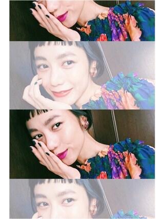 IZUMIさんの「BIG FLOWER PRINT TOPS(AULA|アウラ)」を使ったコーディネート
