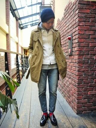 Ryusei Satoさんの「Embroidery  Studs Trench Coat (TaaKK)」を使ったコーディネート