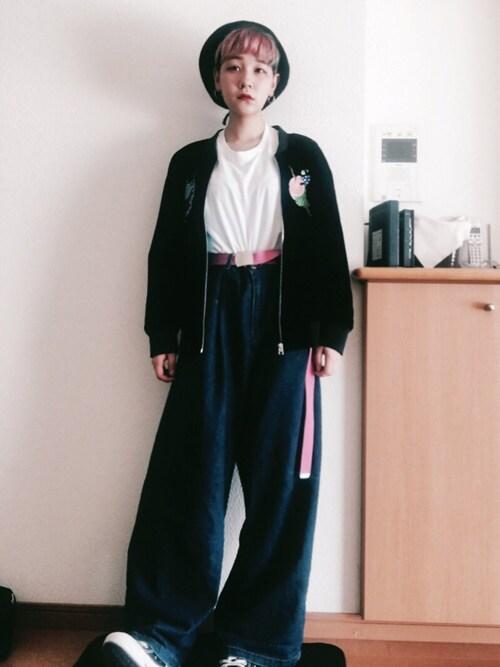 林﨑咲良さんの「cabaretスカジャン(ふりふ)」を使ったコーディネート