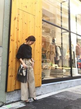 LIFE's堀江店 ERINA  TAMOTSUさんの「センタープレストラウザース(TODAYFUL)」を使ったコーディネート