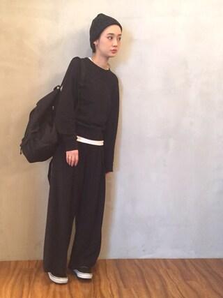 西本早希さんの「スニーカー」を使ったコーディネート