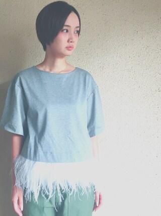 西本早希さんの「フェザーTシャツ(LE CIEL BLEU|ルシェルブルー)」を使ったコーディネート