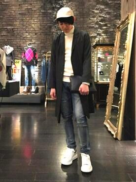 A LOVELESS青山 employee hiromu is wearing WORLD WIDE FAMOUS