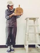 ふとんからでれないきせつ〜〜  この看板手作りなんです! まな板、ちょっとオシャレに言うとカッティングボードに文字を彫ったんだよ!  よい感じー!   今日でテテは4周年です(^_^) いつもありがとうございます!(^^)♡