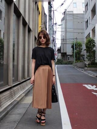 舟山久美子♡くみっきーさんの「バックチュールTシャツ(MICOAMERI|ミコアメリ)」を使ったコーディネート