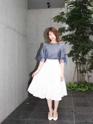 舟山久美子♡くみっきーさんの「ライトデニムブラウス(MICOAMERI|ミコアメリ)」を使ったコーディネート