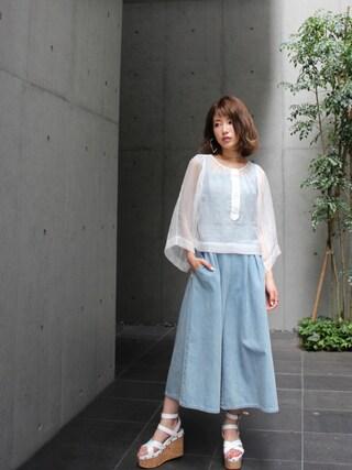 舟山久美子♡くみっきーさんの「シースルーボリュームスリーブブラウス(MICOAMERI|ミコアメリ)」を使ったコーディネート