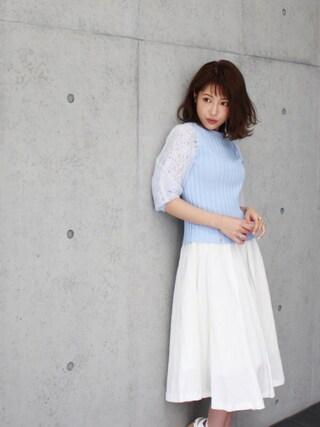 舟山久美子♡くみっきーさんの「レースチュールスリーブニット(MICOAMERI|ミコアメリ)」を使ったコーディネート