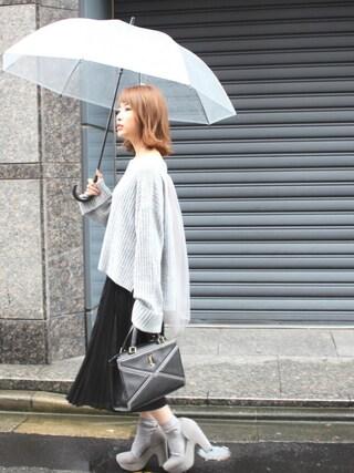 舟山久美子♡くみっきーさんの「ロングスリーブバックチュールニット(MICOAMERI|ミコアメリ)」を使ったコーディネート