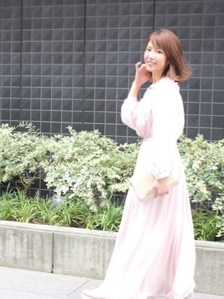 舟山久美子♡くみっきーさんの「オフショルロングワンピース(MICOAMERI|ミコアメリ)」を使ったコーディネート