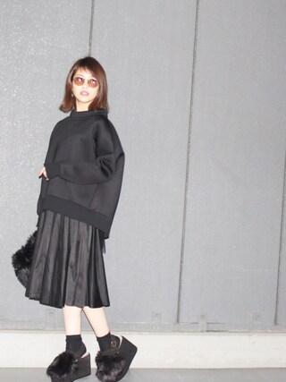 舟山久美子♡くみっきーさんの「ボトルネックバックチュールプルオーバー(MICOAMERI|ミコアメリ)」を使ったコーディネート