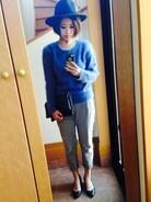 去年から、気に入って着てるモヘアニット この絶妙なブルーがすごく好き♡ でも、着た後あちこちが毛だらけに…汗 でもやっぱり可愛いから着ちゃいます^ ^笑