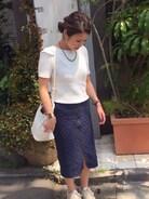 恵比寿で講習。 よく歩くのでスニーカーで。 ペンシルスカートは早歩きしにくいけど、このスカート裾のチャック少し開けると動きやすくなるので便利^ ^