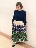 アトリエドゥサボンさんの「フルル あじさいプリント ギャザースカート(peu pres|プープレ)」を使ったコーディネート