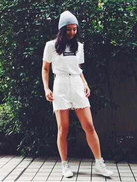 holiday|NABEさんの「HIGH WAIST WHITE DENIM SHORT PANTS ハイウエストホワイトデニムショートパンツ(HOLIDAY|ホリデイ)」を使ったコーディネート