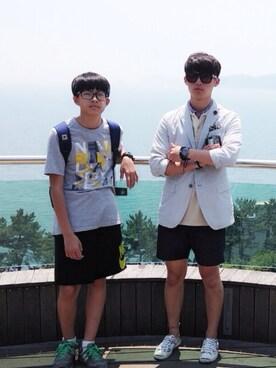 (UNIQLO) using this Jinyong Kim looks