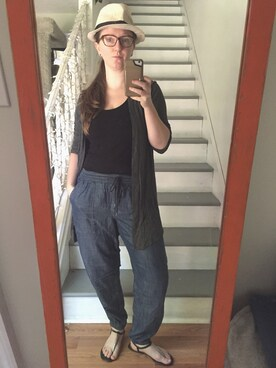 (H&M) using this Laura Parker looks