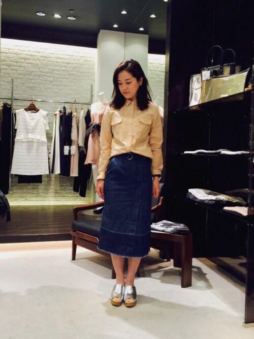 akihoさんの「巻きデニムフレイドヘムタイトスカート(actuel)」を使ったコーディネート