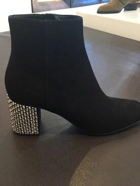 (Saint Laurent) using this Looks Speak looks