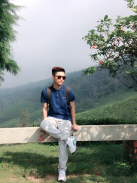 (Lacoste) using this Chow Hoong Wong looks