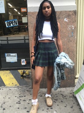 (American Apparel) using this Anjie looks