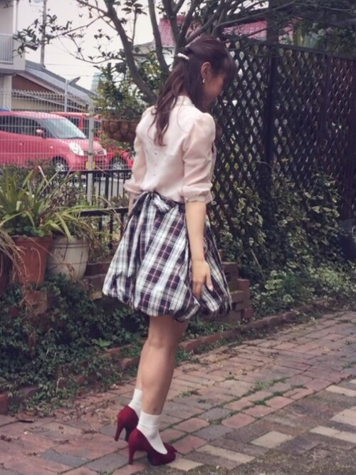 奈乃さんの「バックリボンバルーンスカート(snidel)」を使ったコーディネート
