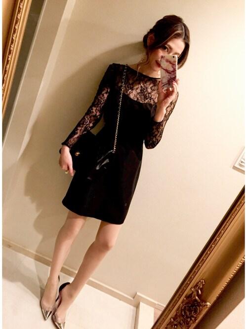 ブラックの長袖シースルーレーススリーブAラインドレスの参考コーディネート画像