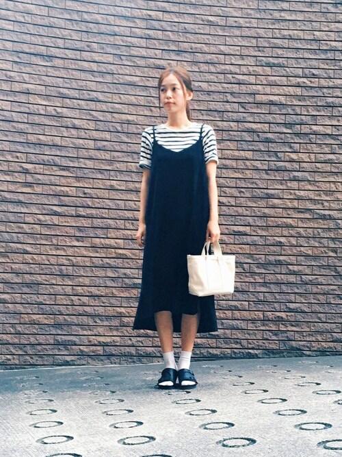 阿久津ゆりえさんの「LOOSE CAMISOLE DRESS(キャミソール/ワンピース/ドレス)(MILKFED.)」を使ったコーディネート