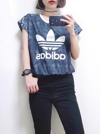 斎藤有沙さんの「オリジナルス Tシャツ[LA PRINT MIX TEE](adidas|アディダス)」を使ったコーディネート