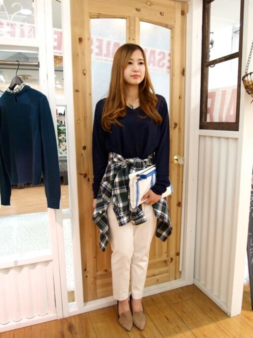 Pink'eeeさんの「WOOL KNIT V/N PULL OVER*NVY(AMIW)」を使ったコーディネート