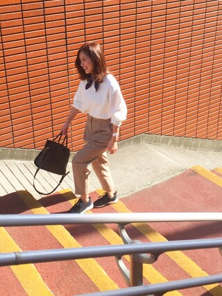 武智志穂さんの「ハイウエストコクーンパンツ(The Dayz tokyo|ザ デイズ トーキョー)」を使ったコーディネート
