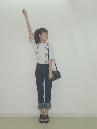 近藤千尋さんの「LINE FLOWER T-SHIRT(CLANE|クラネ)」を使ったコーディネート