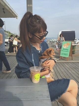 近藤千尋さんの「LOOSE DENIM OP(MOUSSY|マウジー)」を使ったコーディネート
