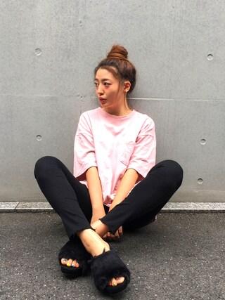 伊波芳杏 よっぴーさんの「ユニークレタリング刺繍ビックTシャツ(DHOLIC|ディーホリック)」を使ったコーディネート