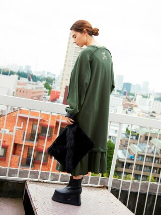 PAMEO POSE CONCEPT SHOP|PAMEO POSEさんの「PETAL HEM SWEAT DRESS(PAMEO POSE|パメオポーズ)」を使ったコーディネート